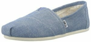 9f74e742813 Toms shoes are known for the charitable characteristics they bring. A child  in need gets a pair for each pair that a person buys. However